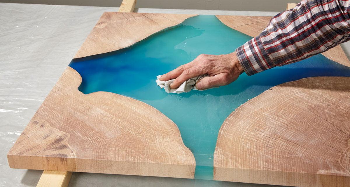 Epoxidharz Tisch selber bauen: Gratis Anleitung