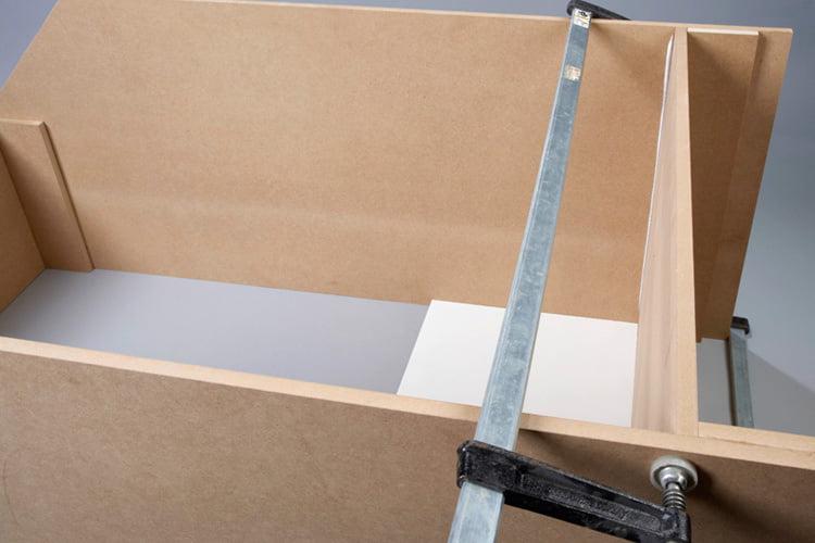 Zusatzlichen Stauraum Schaffen Im Schrank Unter Der Treppe Selbermachen De