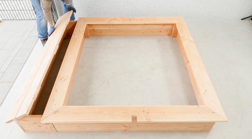 sandkasten selber bauen ueberdachung spielzeug truhe