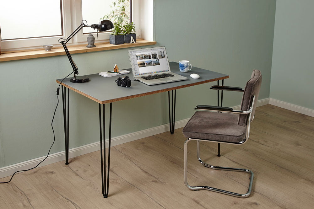 Schreibtisch mit Linoleumbelag | selbermachen.de